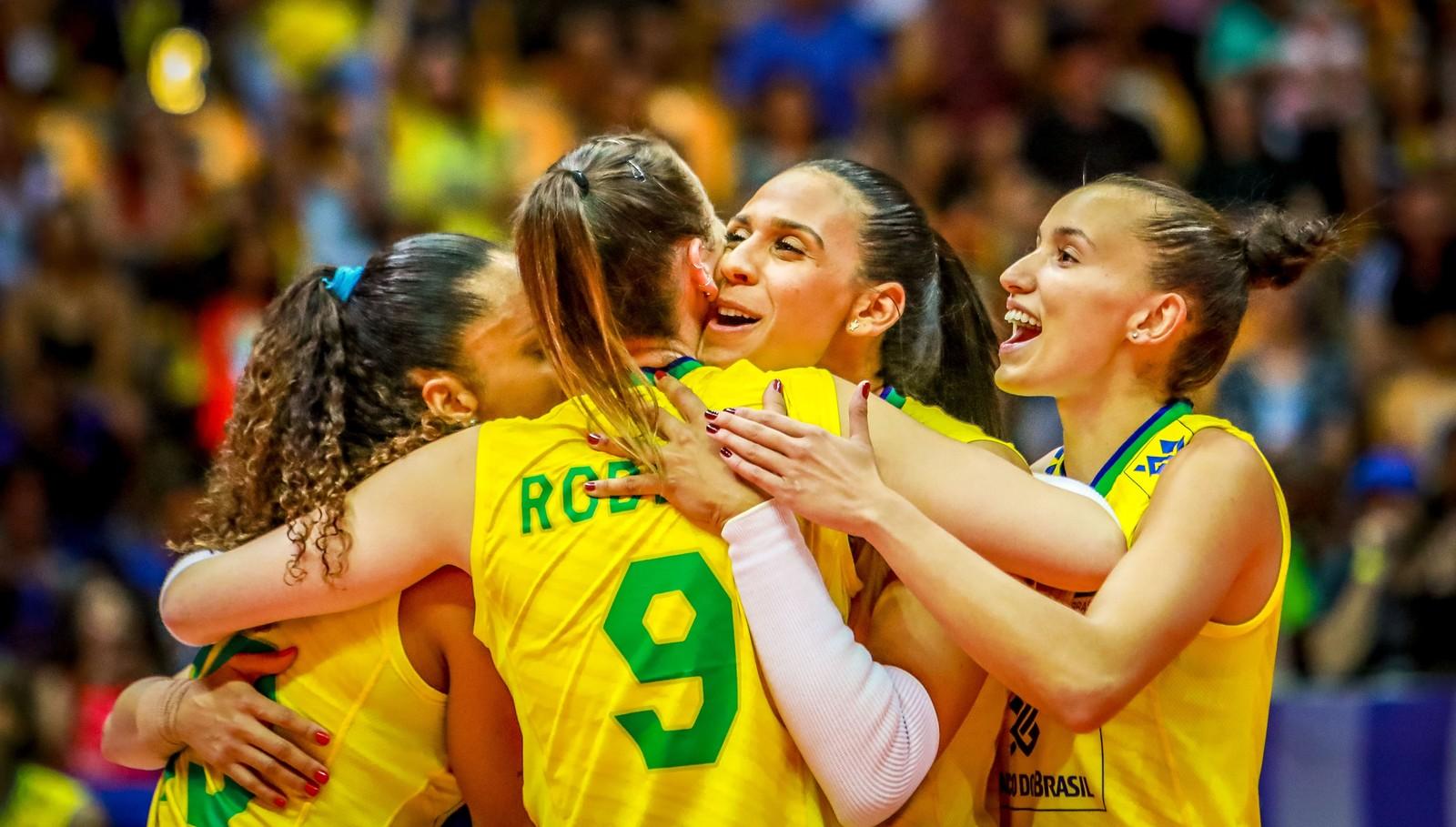 Brasil x Azerbaijão; Pré-Olímpico; vôlei feminino; Uberlândia — Foto: FIVB