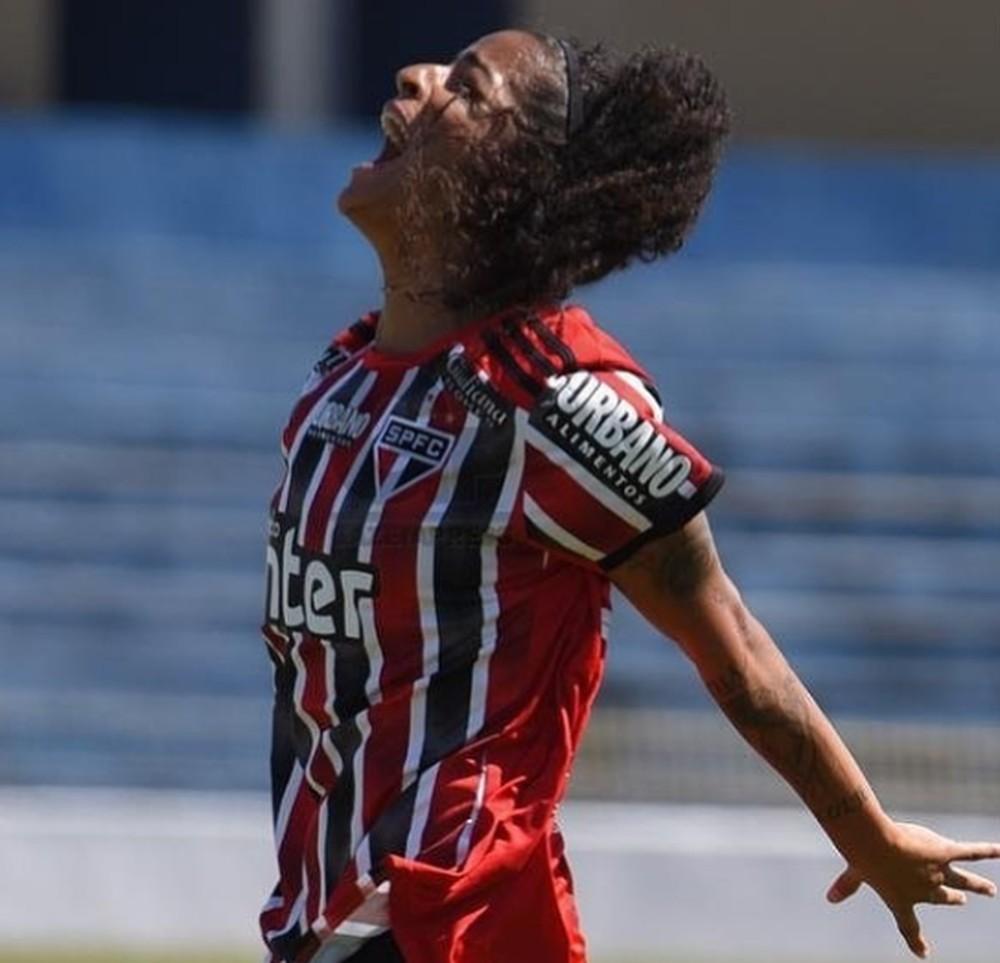 Brenda Woch comemora gol pelo São Paulo — Foto: Arquivo Pessoal