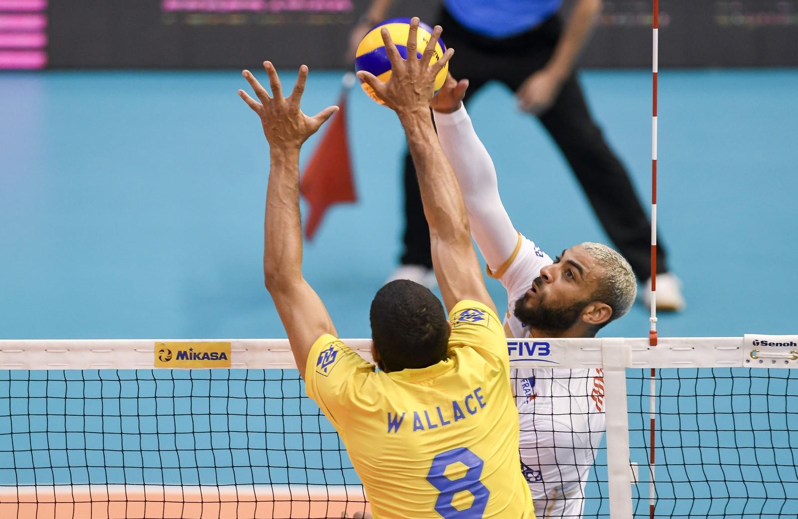 Earvin Ngapeth Wallace Brasil x França Liga das Nações — Foto: Divulgação FIVB