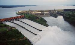 'O Paraguai perdeu US$ 75,4 bilhões por vender energia ao Brasil'