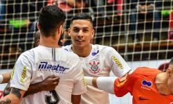 Corpo de jogador de futsal do Corinthians e da seleção brasileira assassinado no RS é velado em SP