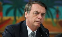 Bolsonaro rebate críticas a frase sobre cocô: