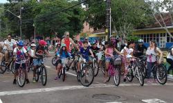Carajás: o ciclismo como incentivo à atividade física e doação de brinquedos e alimentos