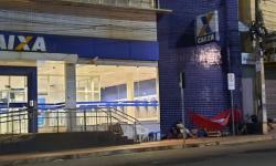 Em Canaã dos Carajás, pessoas dormem na fila da Caixa Econômica