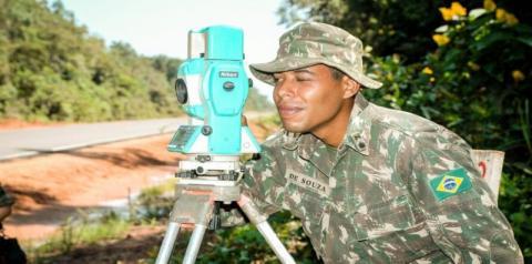 Novo concurso do Exército tem salários de até R$ 8,9 mil