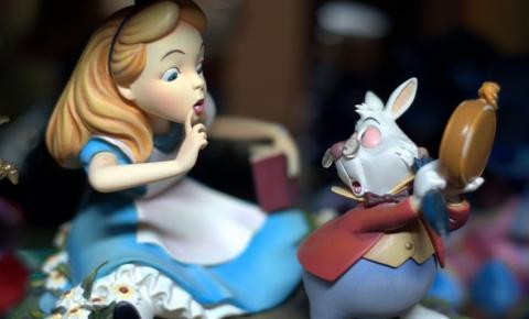 O que a neurociência tem a dizer sobre 'Alice no País das Maravilhas'