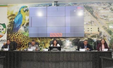 APAE faz prestação de contas durante a 19ª Sessão Ordinária