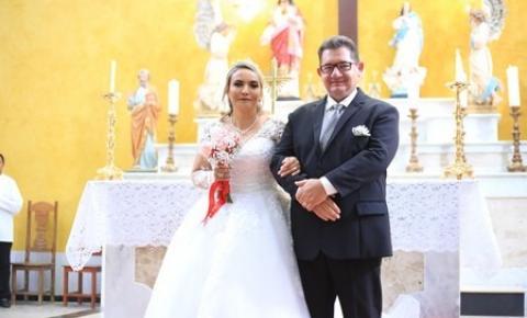 Presidente da Cooperfort Florentino Guirelle Junior se casa com a pedagoga Rosa de Souza em uma linda cerimônia em Canaã
