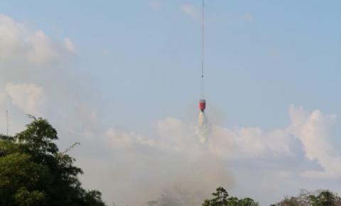 Forças Armadas despejam 8 mil litros de água em foco de incêndio em Altamira, no PA