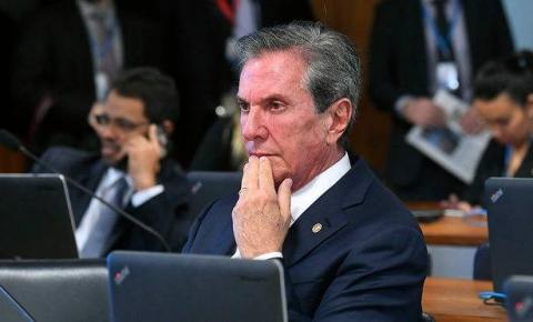 Senador Fernando Collor é alvo de operação da Polícia Federal de combate à lavagem de dinheiro