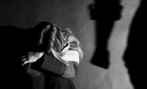 Bolsonaro veta obrigação de hospitais de notificar suspeitas de violência contra a mulher