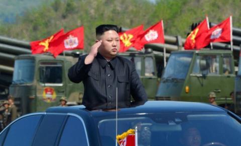 Kim Jong-un diz que vai observar EUA mais um pouco antes de agir