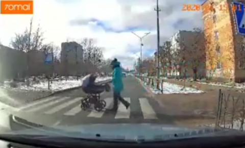 Na Ucrânia, motorista bêbado atropela bebê de três meses; veja VÍDEO