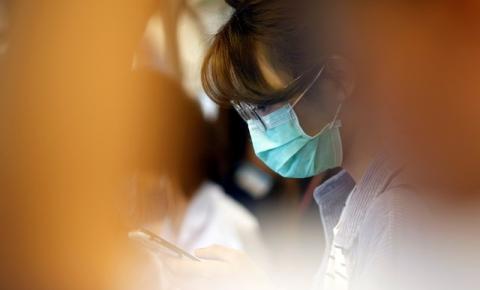 'É muito triste e desolador', relata enfermeira no epicentro do surto de coronavírus