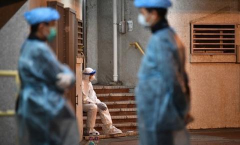 Coronavírus: prédio em Hong Kong é evacuado; autoridades suspeitam de transmissão por encanamentos