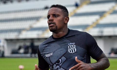 Por dívida da compra do zagueiro Cléber Reis, Fifa proíbe Santos de registrar novos jogadores