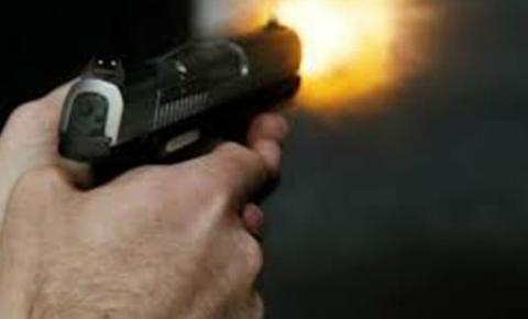 Barbaridade: mãe mata filha de quatro anos com revólver do marido