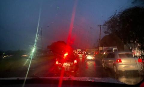 Chuva intensa e trânsito lento marcam volta para Belém