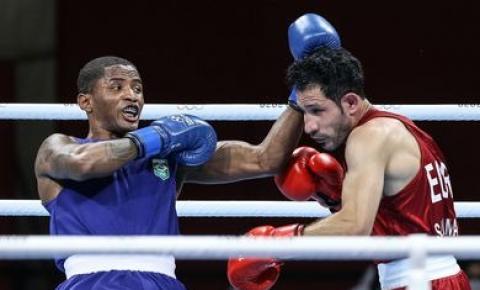 Wanderson de Oliveira avança às oitavas de final do boxe em Tóquio