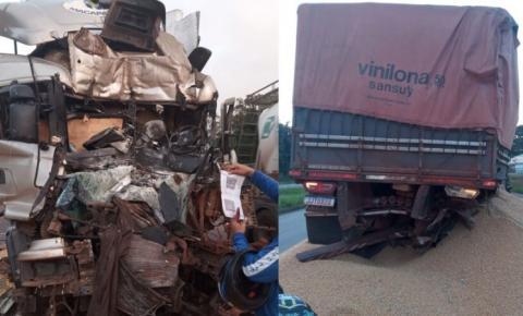 Condutor de carreta morre após colisão na rodovia BR-316