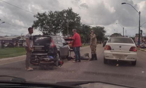BR-316: motoqueiro fica ferido ao bater em traseira de carro