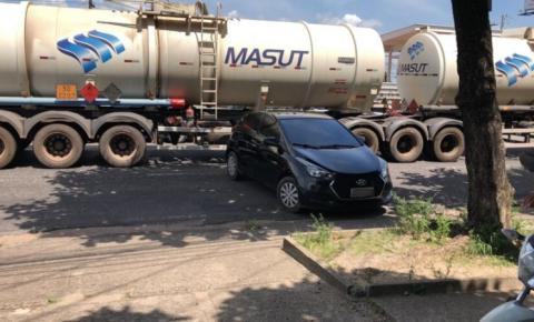 Acidente com caminhão de combustível deixa BR-316 parada