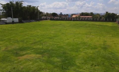 Em Canaã dos Carajás, prefeitura reinaugura campo de futebol