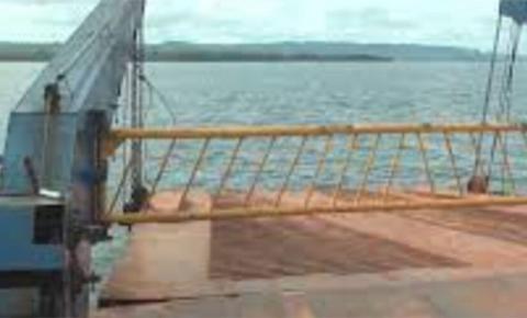 Indígenas bloqueiam travessia de balsa em Altamira no Pará