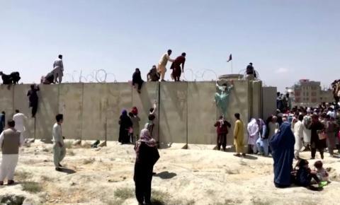Embaixadas pedem que se evite aeroporto de Cabul por risco de atentado