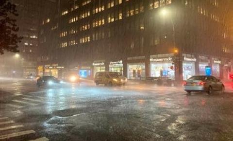 Nova York declara estado de emergência devido a inundações