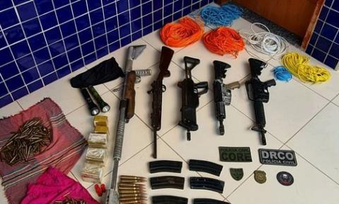 Dupla é presa com armas pesadas e explosivos em Acará, no PA; suspeitos planejavam assalto a carro-forte, diz PC