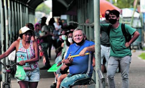 Uso da máscara é ignorado por muitos nas ruas de Belém