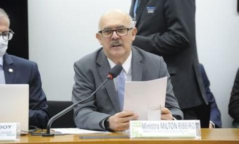 Ministro fala na Câmara sobre novos institutos federais de educação