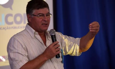 Prefeito se pronuncia sobre escândalo de corrupção envolvendo a secretária de obras de Redenção