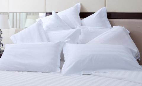 Como lavar e limpar os travesseiros