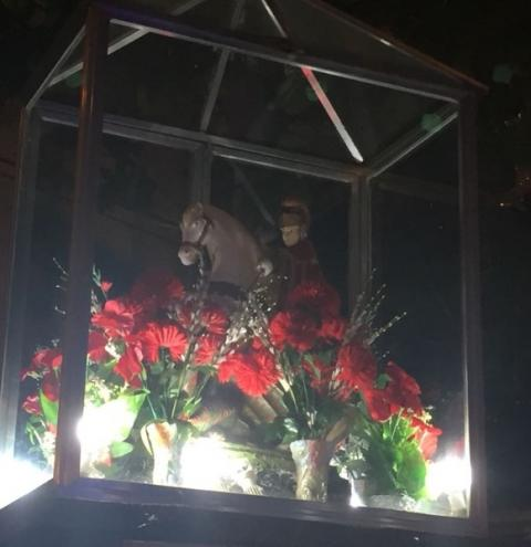 Fiéis celebram Dia de São Jorge na tradicional alvorada dedicada ao santo