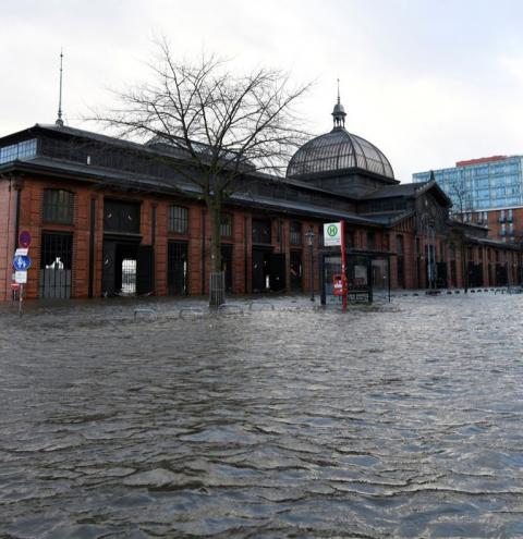 Megatempestade causa caos na Europa