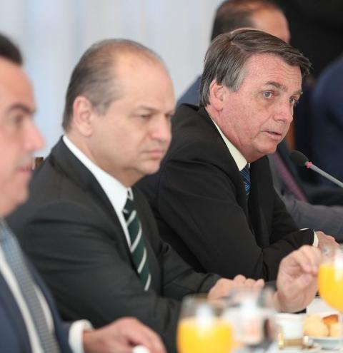 Bolsonaro prorroga auxílio emergencial até o final de 2020