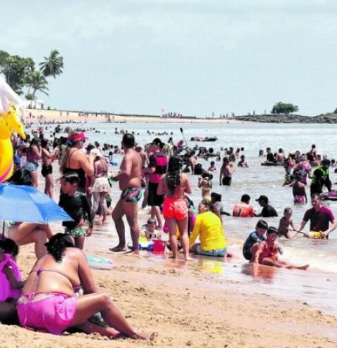 Praias lotaram na despedida do verão