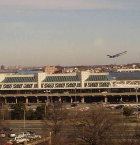 Homem é preso em aeroporto após ameaçar funcionário com bomba