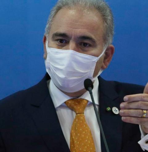Ministro da Saúde esclarece regras de vacinação para adolescentes